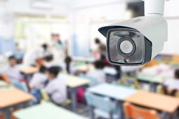7 مورد از مزایای استفاده از دوربین مدار بسته در مدارس