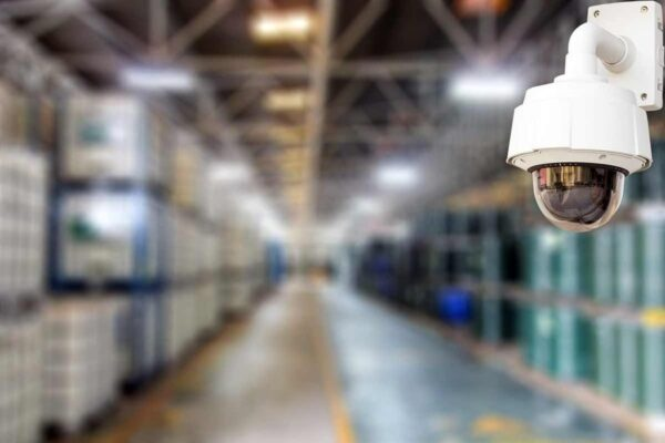دوربین مداربسته در کارخانه ها